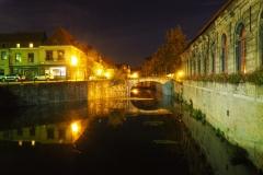 *die* Brücke bei Nacht