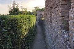 Immer an der Mauer entlang